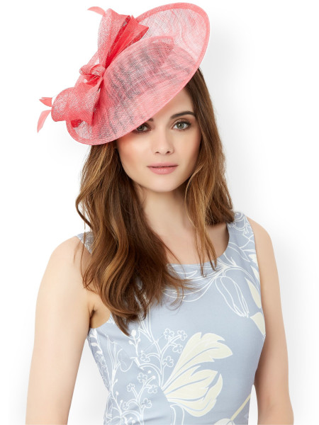 What To Wear To A Ladies Day At The Races Fakenham