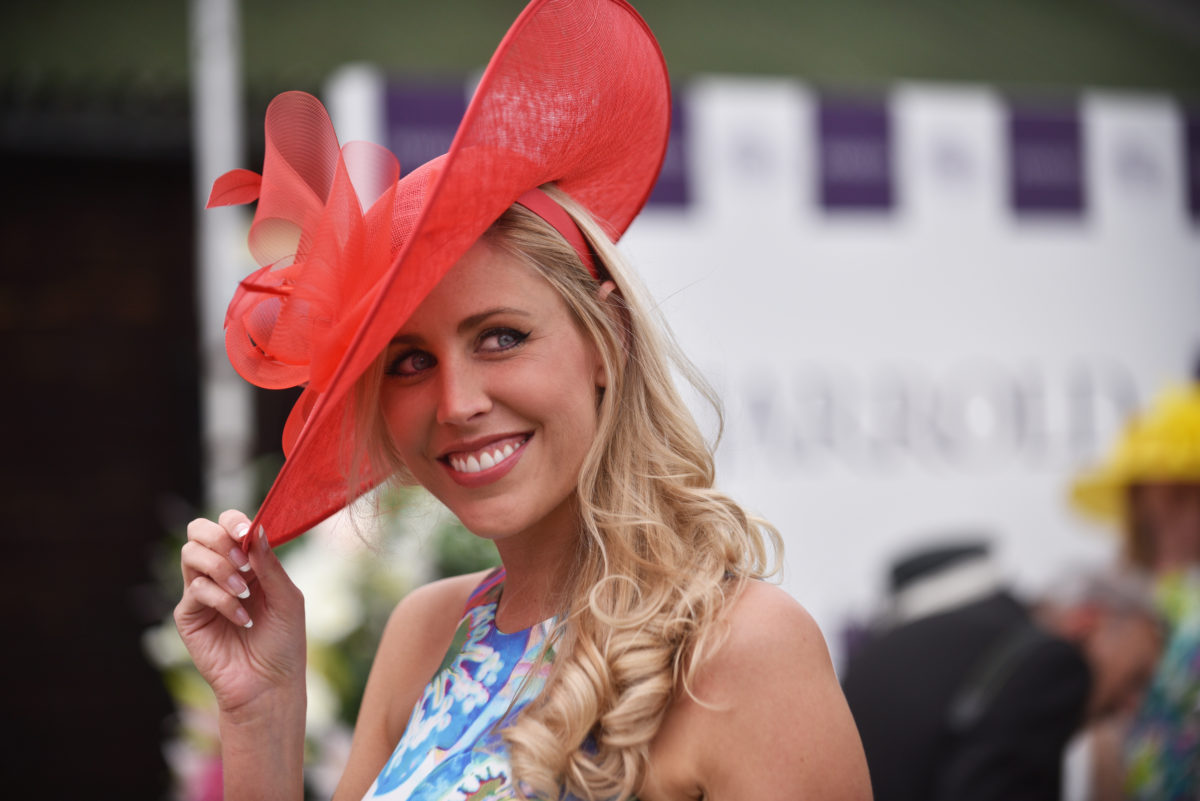 Day Out at Fakenham Races | A day�s racing is an exciting day out for people of all ages and from all walks of life. Fakenham Racecourse prides itself on it�s friendly, casual atmosphere and it has no formal dress code. | Fakenham Racecourse, North Norfolk